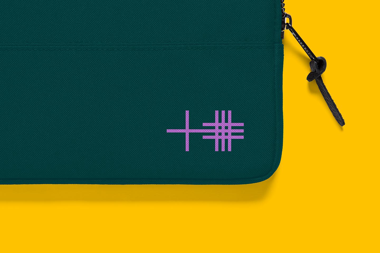 PlusPlus laptop sleeve logo